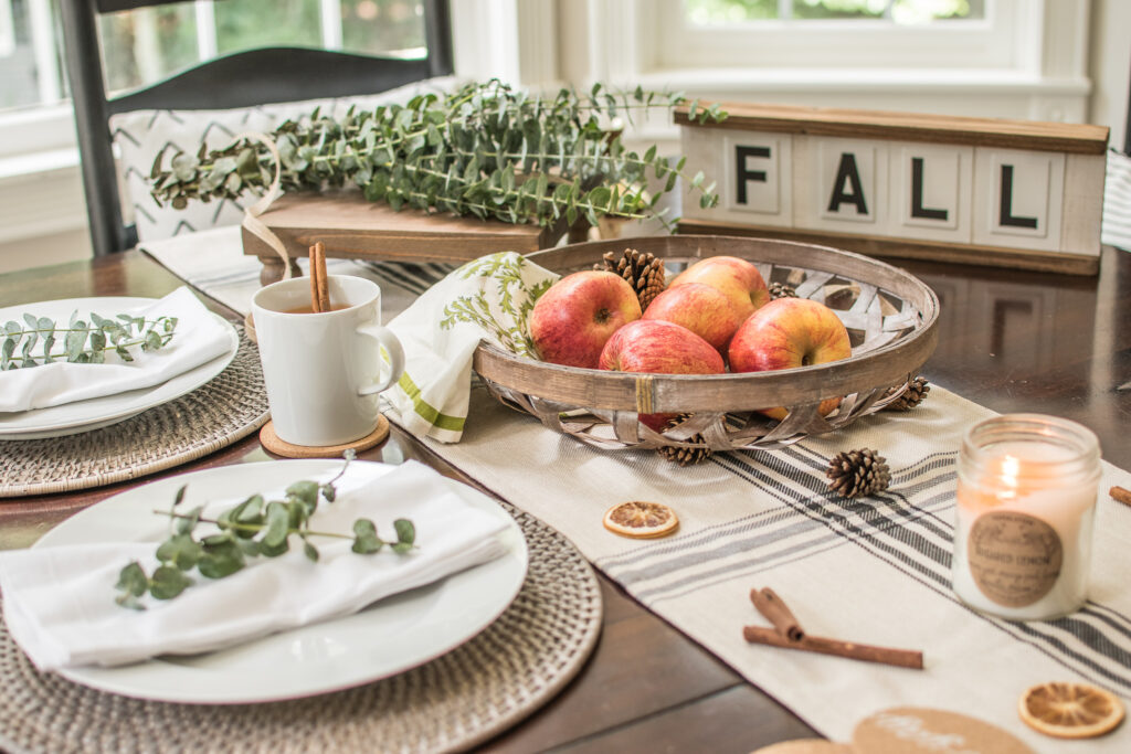 decocrated fall box easy fall decor tablescape ideas